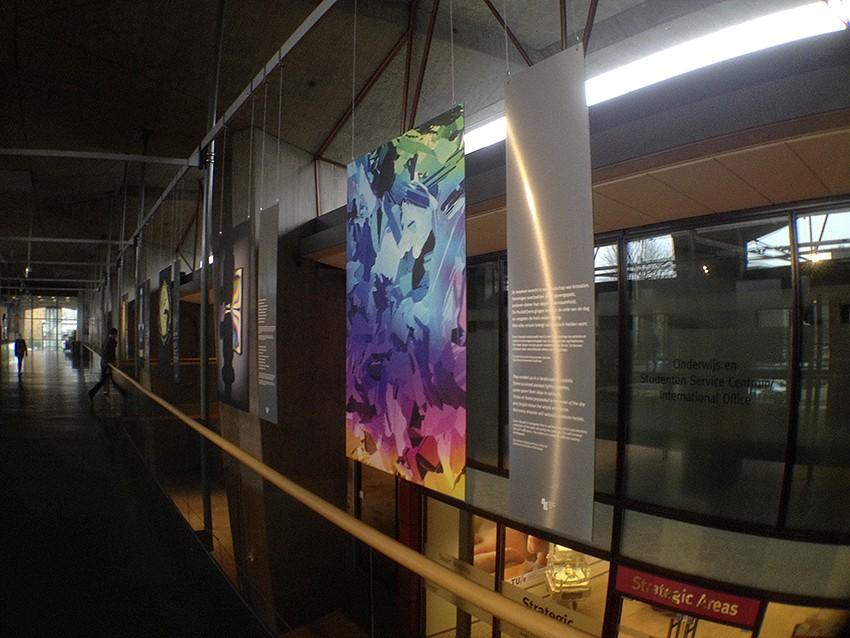 grootformaat prints_print op plaatmateriaal_print op dibond-foto geplakt op dibond-wit print op geborsteld alluminium expositie