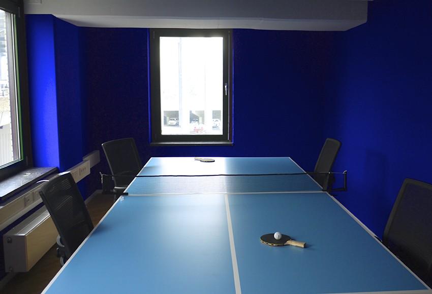 grootformaat prints_print meubelfolie-print op vinyl-kantoorinrichting-001