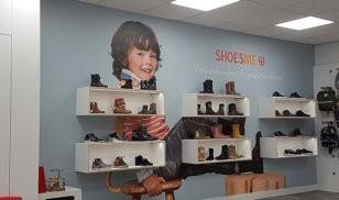 behang - wandbekleding - winkelinrichting -shoesme