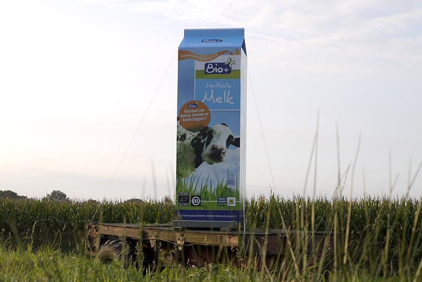 guerilla reclame langs autoweg