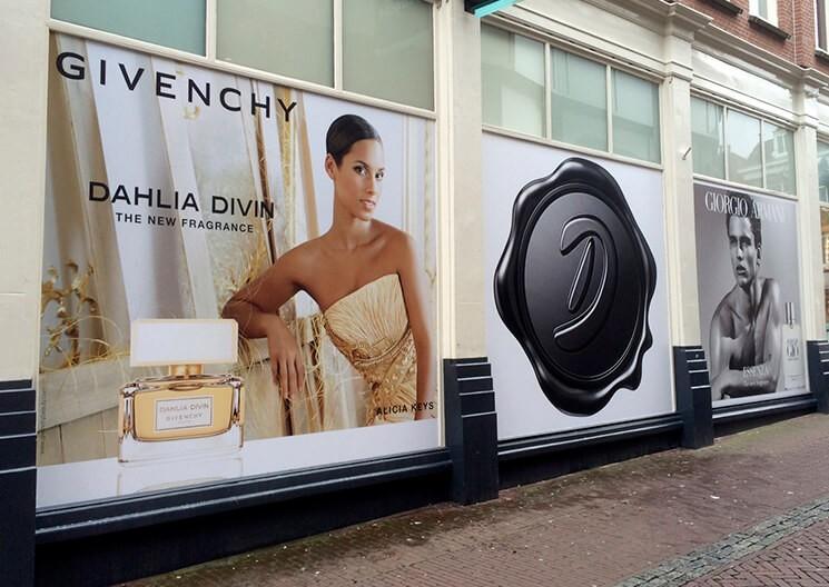 winkelramen gebruiken voor reclame - signing