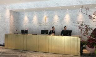 gold brushed folie- zwart acrylaat - Amstel Amsterdam Van der Valk Hotel